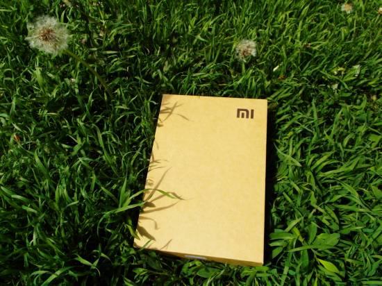 Традиционная картонная упаковка Xiaomi MiPad